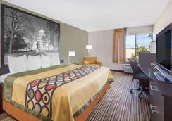 麦迪逊南速8酒店 - 麦迪逊 - 睡房