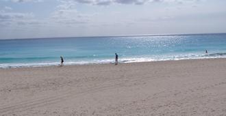 坎昆皇家索拉里斯酒店 - 坎昆 - 海滩