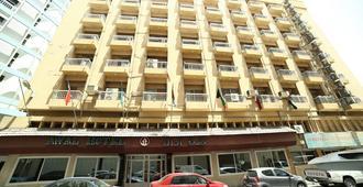 巴林阿瓦尔酒店 - 麦纳麦 - 建筑