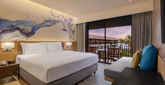 普吉岛班泰希尔顿逸林酒店及度假村 - 芭东 - 睡房