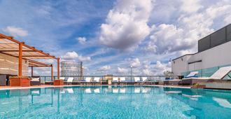 H10罗马西塔酒店 - 罗马 - 游泳池