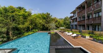 凉廊高宅酒店 - 清迈 - 游泳池