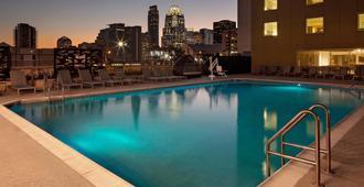 英迪格奥斯汀市中心酒店 - 奥斯汀 - 游泳池
