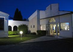 凯里亚德酒店-圣特 - 桑特 - 建筑