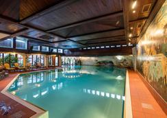 亚历克斯采尔马特度假酒店 - 采尔马特 - 游泳池