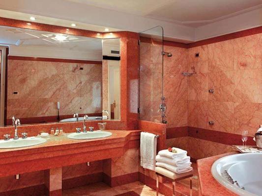 圣卢西亚大酒店 - 那不勒斯 - 浴室