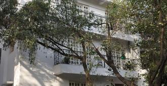 上校的撤退 - 新德里 - 建筑