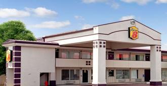 俄克拉何马城/边城速8酒店 - 奥克拉荷马市 - 建筑
