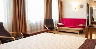 安 2 酒店 - 哈尔科夫 - 睡房