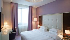 贝尔格莱德水晶酒店 - 贝尔格莱德 - 睡房
