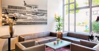 斯图加特机场美因 Achat 酒店 - 斯图加特 - 休息厅