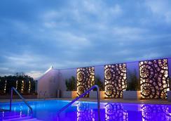 内罗毕丽笙酒店 - 内罗毕 - 游泳池