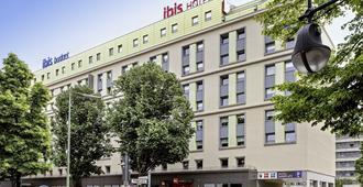 宜必思柏林库达姆大街酒店 - 柏林 - 建筑