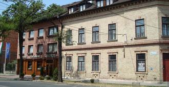 布达佩斯市中心格劳利亚酒店 - 布达佩斯 - 建筑