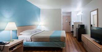奥勒冈锡赛德 6 号汽车旅馆 - 西塞德 - 睡房