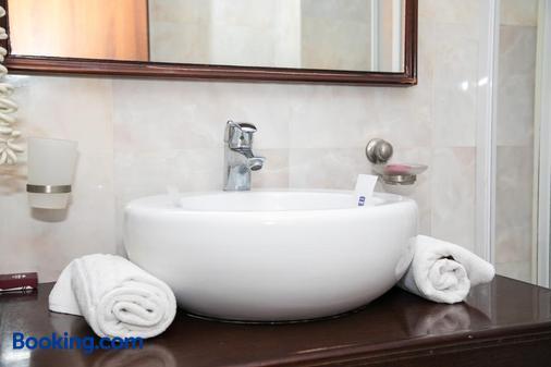 梅加罗斯酒店 - 康斯坦塔 - 浴室