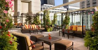 芝加哥半岛酒店 - 芝加哥 - 露台