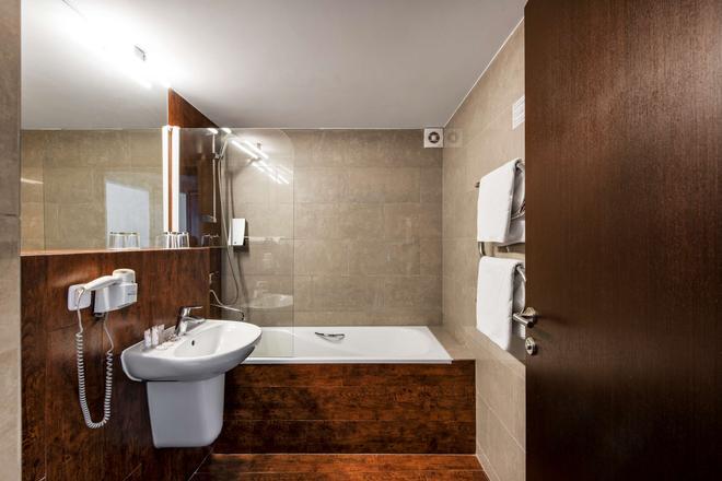 克莱佩达艾伯顿酒店 - 克莱佩达 - 浴室