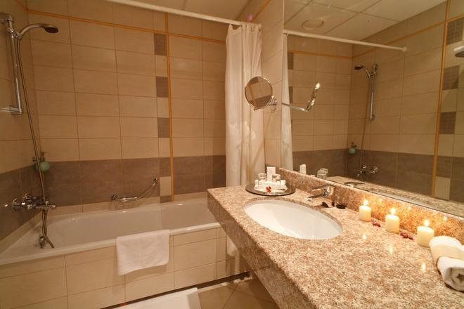 莫妮卡中心酒店 - 里加 - 浴室