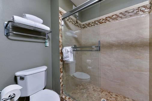 机场凯富套房酒店 - 塔奇拉 - 浴室