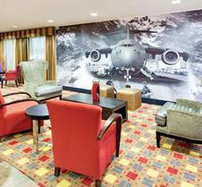 沃纳罗宾斯 - 罗宾斯空军基地温德姆拉昆塔套房酒店