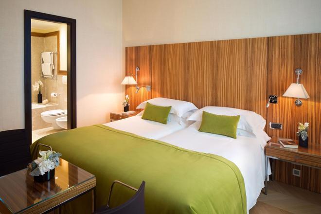 星际安德森酒店 - 米兰 - 睡房