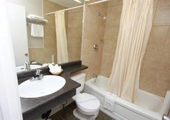 乔治王子加拿大最佳价值酒店 - 乔治王子城 - 浴室