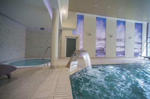 波兹纳尼卡酒店 - 科沃布热格 - 游泳池
