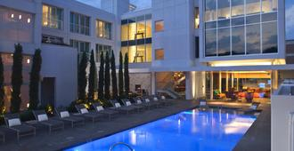 陆梦酒店 - 达拉斯 - 游泳池