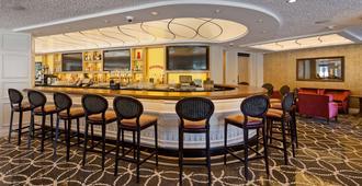 贝斯特韦斯特普利米尔公园酒店 - 麦迪逊 - 酒吧