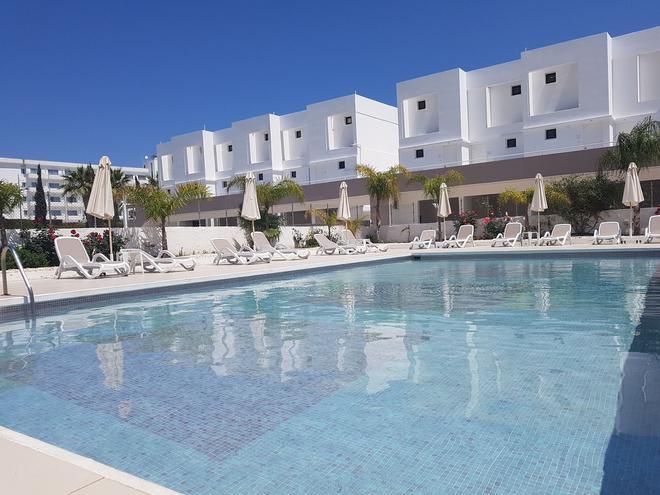 乐罗思酒店 - 圣纳帕 - 游泳池