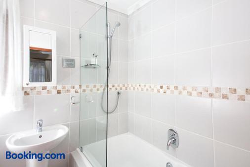 翠鸟旅馆 - 伊丽莎白港 - 浴室