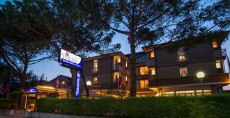 福拉特索雷酒店 - 阿西西 - 建筑