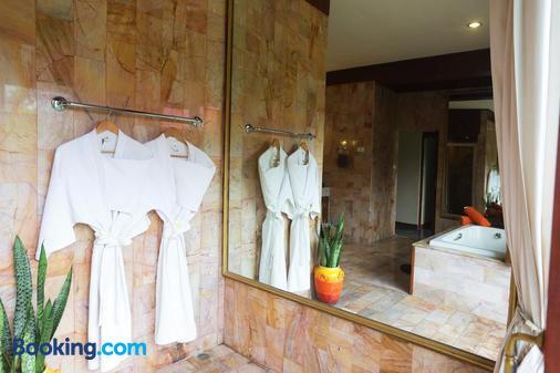 万岁度假酒店 - 苏梅岛 - 浴室