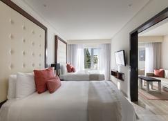 巴拉迪苏翡翠家庭礼宾酒店 - 卡门海滩