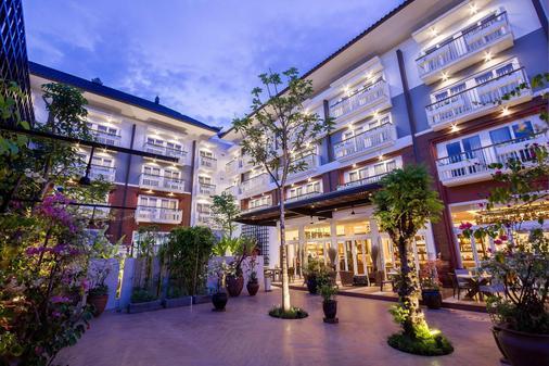 巴厘沙努尔奥利亚酒店 - 登巴萨 - 建筑