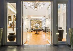 巴厘沙努尔奥利亚酒店 - 登巴萨 - 大厅