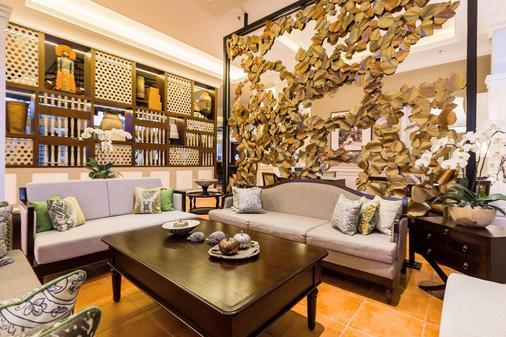 巴厘沙努尔奥利亚酒店 - 登巴萨 - 客厅