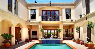 开普敦卡萨米拉旅馆 - 开普敦 - 游泳池
