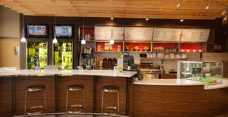 堪萨斯城布赖尔克利夫万怡酒店 - 堪萨斯城 - 酒吧