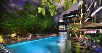 新加坡柏伟诗酒店 - 新加坡 - 游泳池