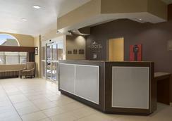 得克萨斯州敖德萨温德姆麦克罗迪尔套房酒店 - 奥德萨 - 柜台