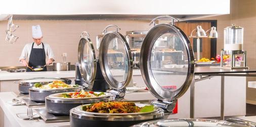 游牧苏卡萨全套房酒店 - 吉隆坡 - 食物