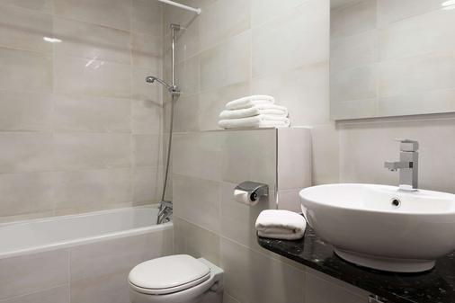 机场城市原创酒店(前国际酒店) - 博韦 - 浴室