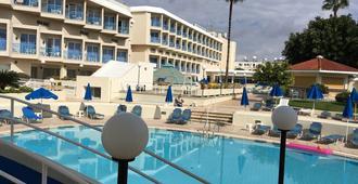 齐索斯酒店 - 帕福斯 - 游泳池