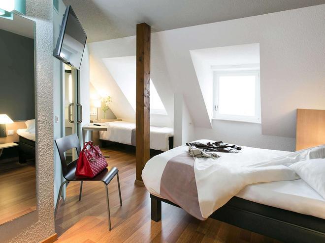 科尔马中心宜必思酒店 - 科尔马 - 睡房