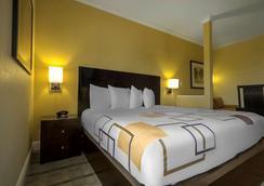 奥兰多佳乐利棕榈酒店 - 基西米 - 睡房