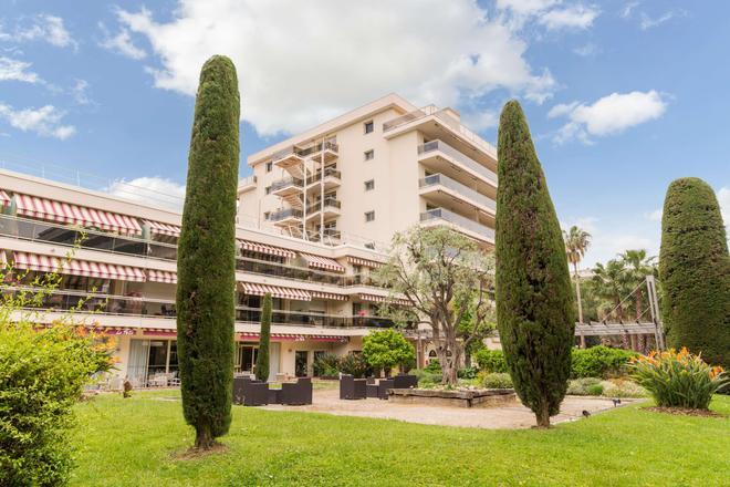 西昂蒂布斯特雷西亚斯原创精品酒店(国际酒店) - 安提伯 - 建筑