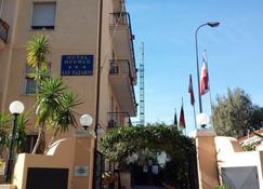 圣纳扎里奥酒店 - 瓦拉泽 - 建筑