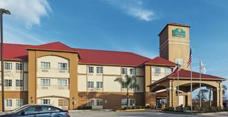 休斯敦霍比机场温德姆拉昆塔套房酒店 - 休斯顿 - 建筑